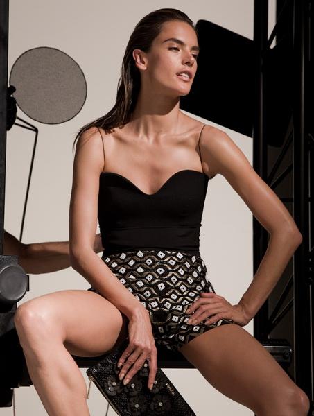 Рекламная кампания Pinko с прекрасной Алессандрой Амброзио