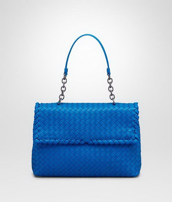 41b05ec36d71 Новая модель сумки Olimpia от Bottega Veneta вошла в коллекцию аксессуаров  осень-зима 2014-2015. Сумка прекрасно демонстрирует разнообразие  материалов, ...