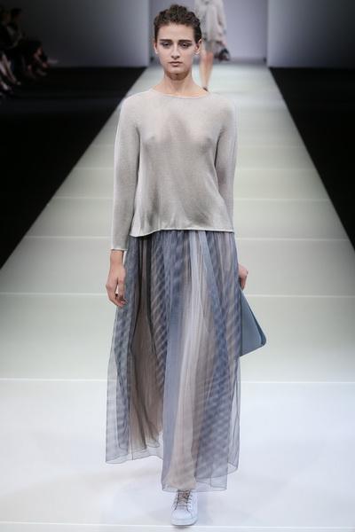 Джорджио Армани представил новую женскую коллекцию