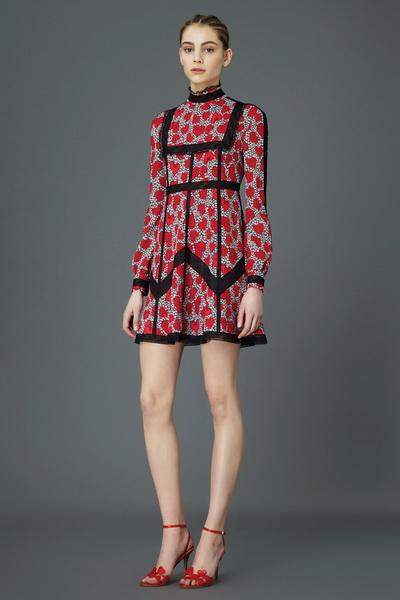 Коллекция женской одежды Valentino сезона осень 2015