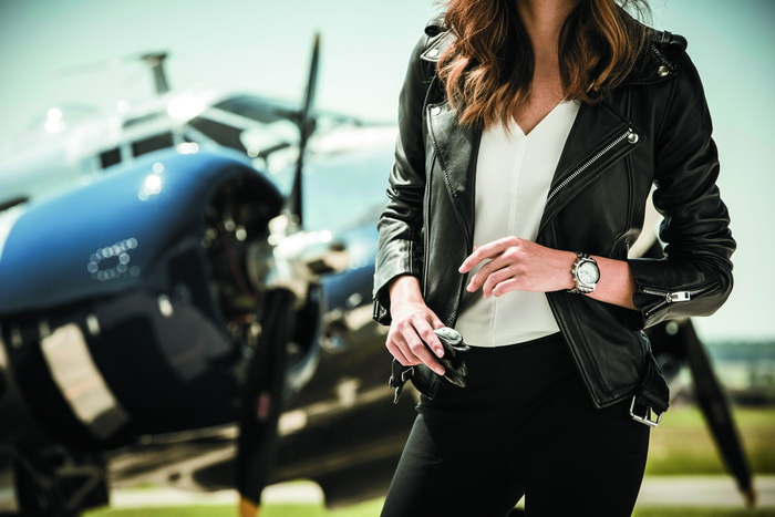 Женские часы Breitling Chronomat 38 SleekT