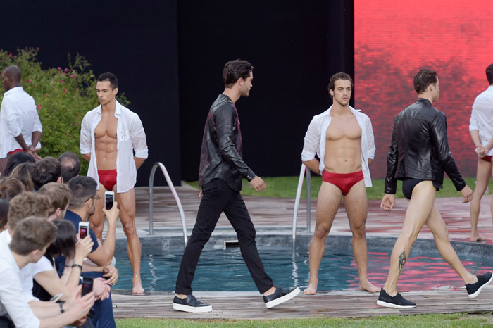 Fashion news: Dirk Bikkembergs Sport Couture Summer 2016 fashion show
