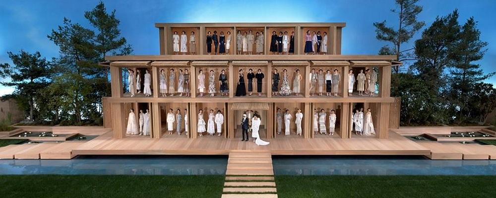 Показ  Chanel Haute Couture весна-лето 2016 на Неделе Моды в Париже