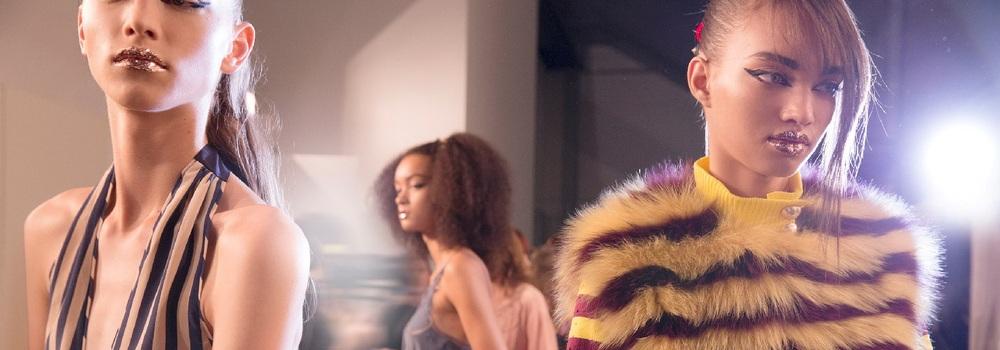 Показ Fendi лето 2017 на Неделе моды в Милане