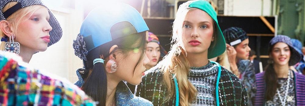 Показ женской коллекции Chanel лето 2017