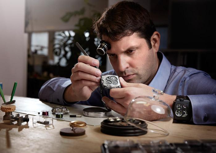 Новые высокоточные часы Urwerk EMC Pistol