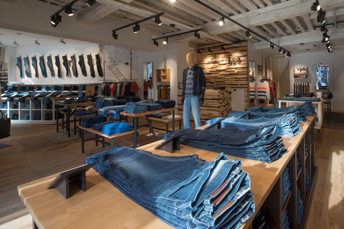 Lee открывает первый монобрендовый магазин в ТЦ Метрополис