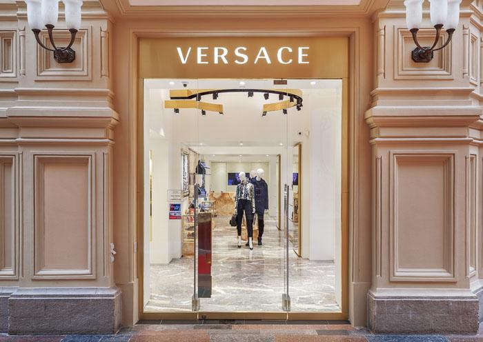 Versace открывает новый бутик в ГУМе