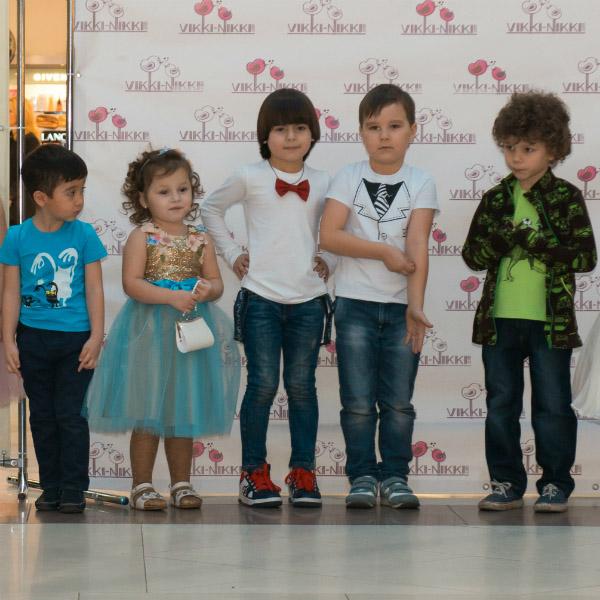 Юные модели представили новые коллекции детской одежды Vikki-Nikki
