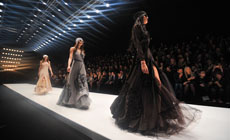 baad3bc21f4 Обзор показов 12 марта 2016 года на Неделе моды Mercedes-Benz Fashion Week  Russia