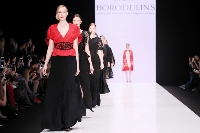 a53a44f656a В рамках Mercedes-Benz Fashion Week Russia прошел показ коллекции  BORODULINS сезона осень-зима 2017-2018. Как отметили дизайнеры Анна и  Алексей Бородулины
