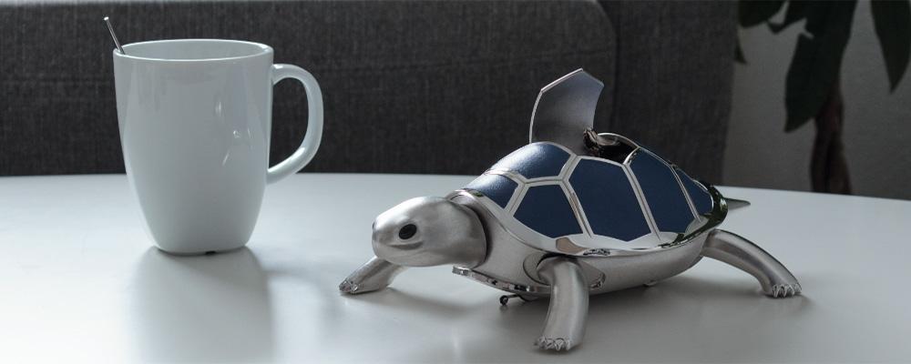 Механическая черепаха MB&F