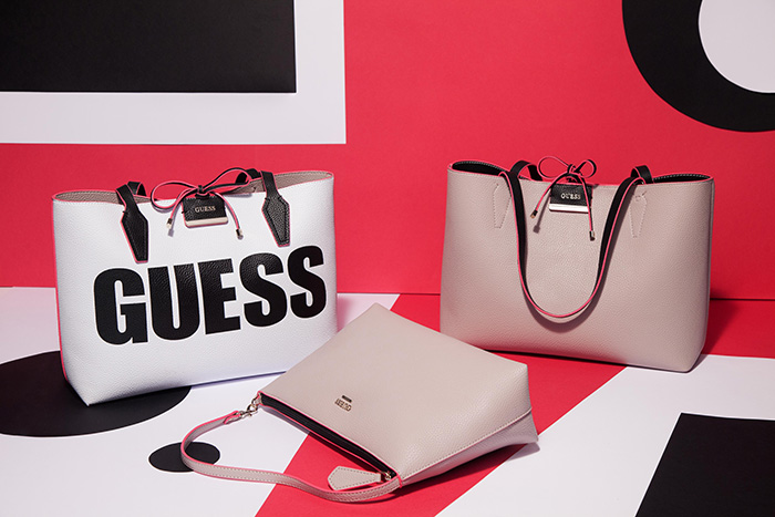 Новая сумка Guess Bobbi