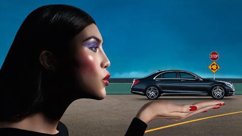 Модель Суи Хэ и новый S-Класс в рекламной кампании Mercedes-Benz Fashion Week